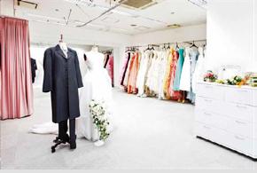 ブライダルアーティストコースのドレス試着室